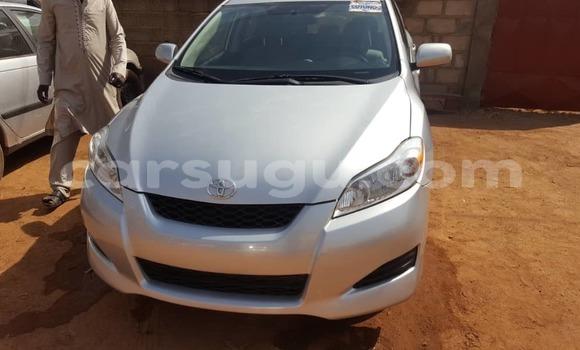 Acheter Importé Voiture Toyota Matrix Gris à Ouagadougou, Burkina-Faso