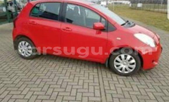 Acheter Occasion Voiture Toyota Yaris Rouge à Ouagadougou, Burkina-Faso