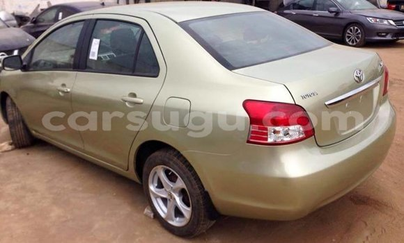 Acheter Occasion Voiture Toyota Yaris Beige à Ouagadougou, Burkina-Faso