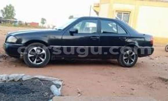 Acheter Occasions Voiture Mercedes‒Benz 200 Noir à Banfora au Burkina-Faso