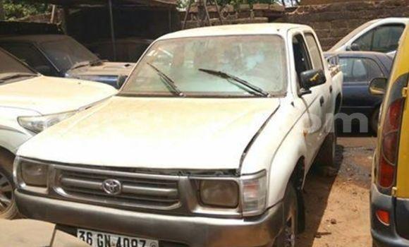 Acheter Occasion Voiture Toyota Pickup Blanc à Ouagadougou, Burkina-Faso