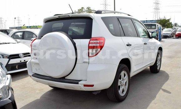Acheter Importé Utilitaire Toyota HiAce Blanc à Import - Dubai, Burkina-Faso