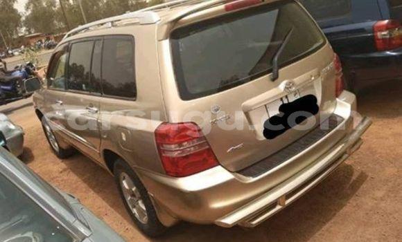 Acheter Occasion Voiture Toyota Highlander Marron à Ouagadougou, Burkina-Faso