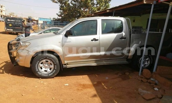 Acheter Occasion Voiture Toyota Hilux Gris à Ouagadougou, Burkina-Faso
