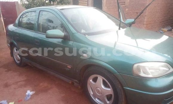 Acheter Occasion Voiture Opel Astra Vert à Ouagadougou, Burkina-Faso