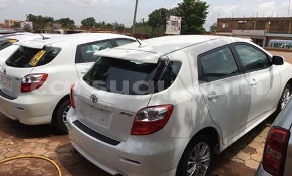 Acheter Neuf Voiture Toyota Matrix Blanc à Ouagadougou au Burkina-Faso