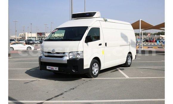 Acheter Importé Voiture Toyota Hiace Blanc à Import - Dubai, Burkina-Faso