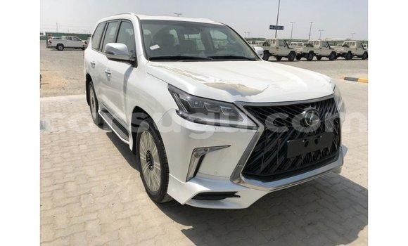 Acheter Importé Voiture Lexus LX Blanc à Import - Dubai, Burkina-Faso