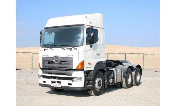 Acheter Importé Utilitaire Hino 300 Series Blanc à Import - Dubai, Burkina-Faso