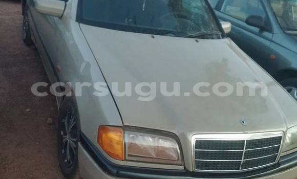Acheter Neuf Voiture Mercedes‒Benz 200 Marron à Ouagadougou, Burkina-Faso