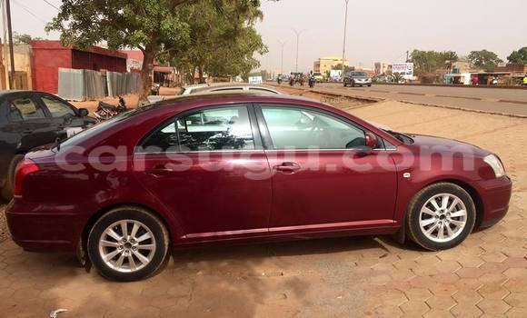Acheter Occasion Voiture Toyota Avensis Rouge à Ouagadougou, Burkina-Faso