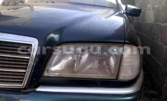 Acheter Occasion Voiture Mercedes‒Benz C-Class Noir à Ouagadougou au Burkina-Faso