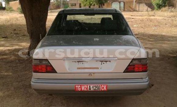 Acheter Occasions Voiture Mercedes‒Benz 200 Autre à Ouagadougou au Burkina-Faso