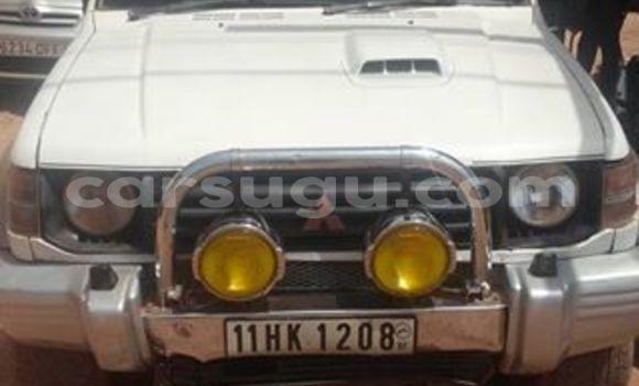 Acheter Occasion Voiture Mitsubishi Pajero Blanc à Ouagadougou au Burkina-Faso