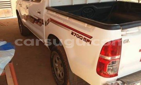 Acheter Neuf Voiture Toyota Hilux Blanc à Ouagadougou au Burkina-Faso