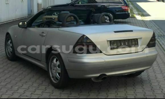 Acheter Neuf Voiture Mercedes‒Benz 200 Gris à Ouagadougou au Burkina-Faso