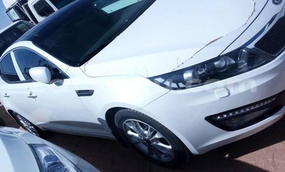 Acheter Neuf Voiture Kia Sephia Blanc à Ouagadougou, Burkina-Faso