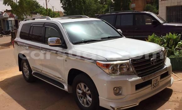 Acheter Neuf Voiture Land Rover Defender Blanc à Ouagadougou au Burkina-Faso