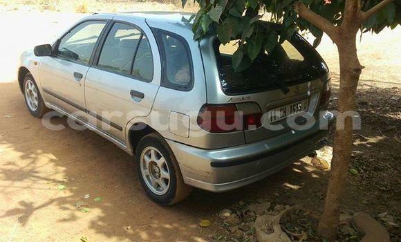 Acheter Occasion Voiture Nissan Almera Gris à Ouagadougou au Burkina-Faso