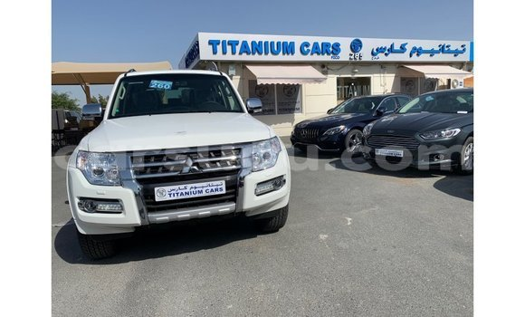 Medium with watermark mitsubishi pajero burkina faso import dubai 5090