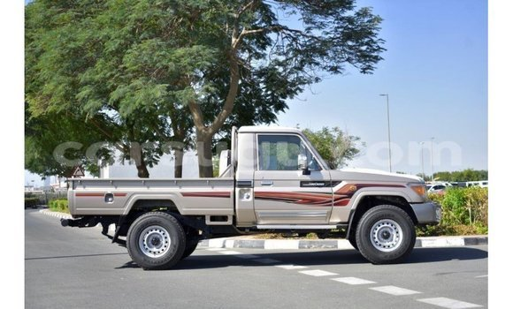 Medium with watermark toyota land cruiser burkina faso import dubai 5110