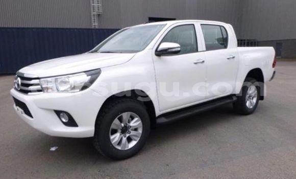 Acheter Neuf Voiture Toyota Hilux Blanc à Ouagadougou, Burkina-Faso