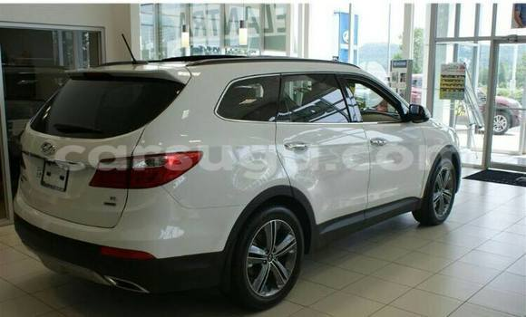 Acheter Occasion Voiture Hyundai Santa Fe Blanc à Ouagadougou, Burkina-Faso