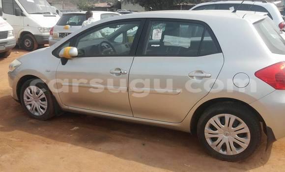 Acheter Occasion Voiture Toyota Auris Gris à Ouagadougou au Burkina-Faso