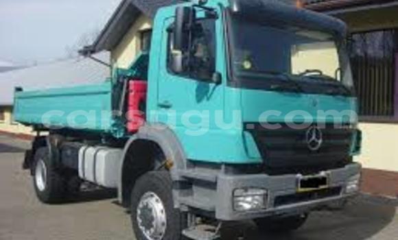 Acheter Neuf Voiture Mercedes‒Benz Esprit Bleu à Ouagadougou, Burkina-Faso