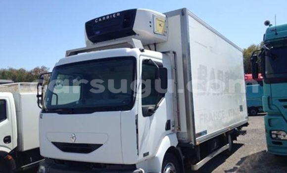 Acheter Neuf Voiture Renault 19 Blanc à Ouagadougou au Burkina-Faso