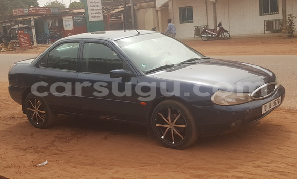 Acheter Occasions Voiture Ford Mondeo Bleu à Ouagadougou au Burkina-Faso