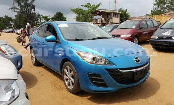 Acheter Neuf Voiture Mazda 323 Bleu à Fada N'gourma au Burkina-Faso