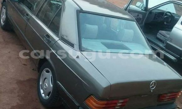 Acheter Neuf Voiture Mercedes‒Benz 190 Gris à Ouagadougou au Burkina-Faso
