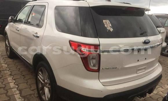 Acheter Occasion Voiture Ford Explorer Blanc à Ouagadougou au Burkina-Faso