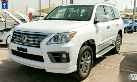Acheter Neuf Voiture Lexus LX Blanc à Ouagadougou, Burkina-Faso