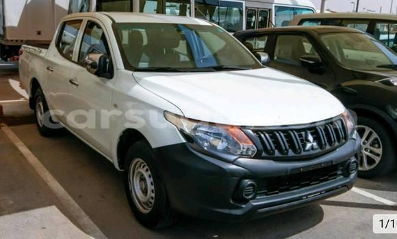 Acheter Neuf Voiture Mitsubishi L200 Noir à Ouagadougou, Burkina-Faso