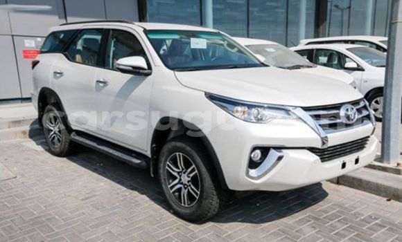 Acheter Neuf Voiture Toyota Fortuner Noir à Ouagadougou au Burkina-Faso
