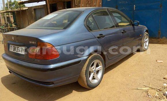 Acheter Neuf Voiture BMW 3-Series Bleu à Ouagadougou au Burkina-Faso