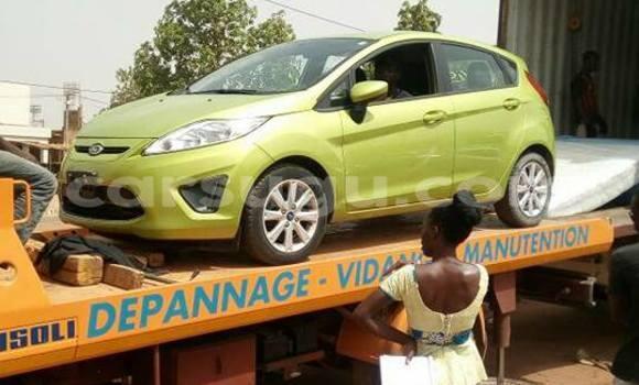 Acheter Neuf Voiture Ford Fiesta Vert à Ouagadougou, Burkina-Faso