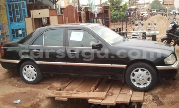 Acheter Occasion Voiture Mercedes‒Benz 230 Noir à Ouagadougou au Burkina-Faso