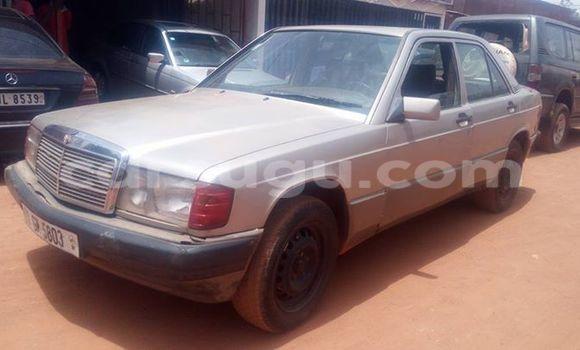 Acheter Occasion Voiture Mercedes‒Benz 190 Bleu à Ouagadougou, Burkina-Faso