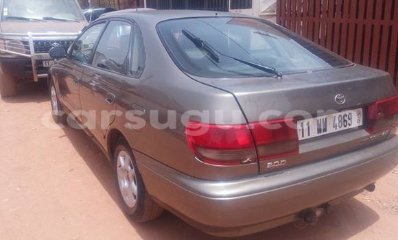 Acheter Occasion Voiture Toyota Carina Gris à Ouagadougou, Burkina-Faso