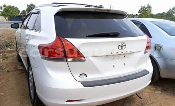 Acheter Neuf Voiture Toyota Venza Blanc à Ouagadougou au Burkina-Faso