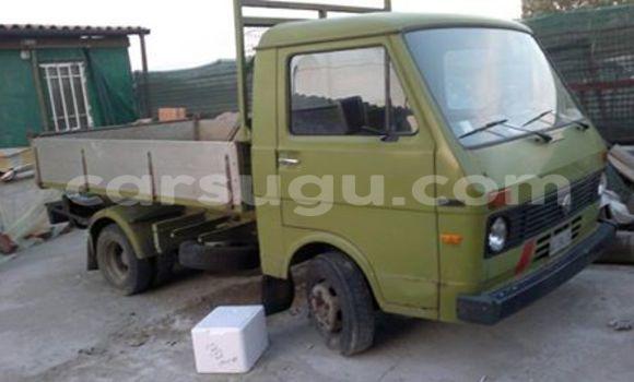 Acheter Neuf Voiture Volkswagen Passat Vert à Ouagadougou au Burkina-Faso