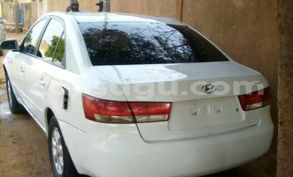 Acheter Neuf Voiture Hyundai Sonata Blanc à Bobo Dioulasso au Burkina-Faso