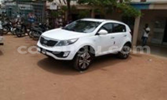 Acheter Voiture Kia Sportage Blanc à Ouagadougou en Burkina-Faso