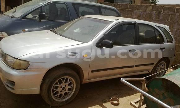 Acheter Occasions Voiture Nissan Almera Gris à Ouagadougou, Burkina-Faso