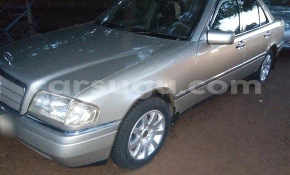 Acheter Voiture Mercedes-Benz C-Class Gris à Bobo Dioulasso en Burkina-Faso