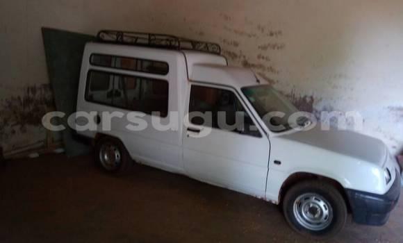 Acheter Occasion Voiture Renault Express Blanc à Ouagadougou au Burkina-Faso