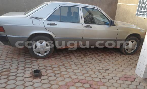 Acheter Occasions Voiture Mercedes‒Benz 190 Gris à Ouagadougou au Burkina-Faso